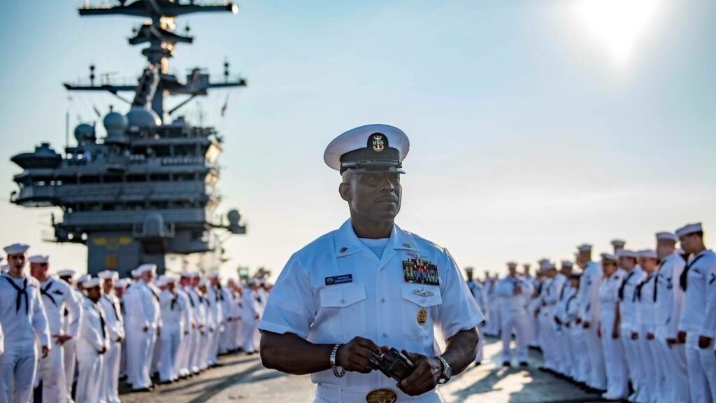 are military officers rich?