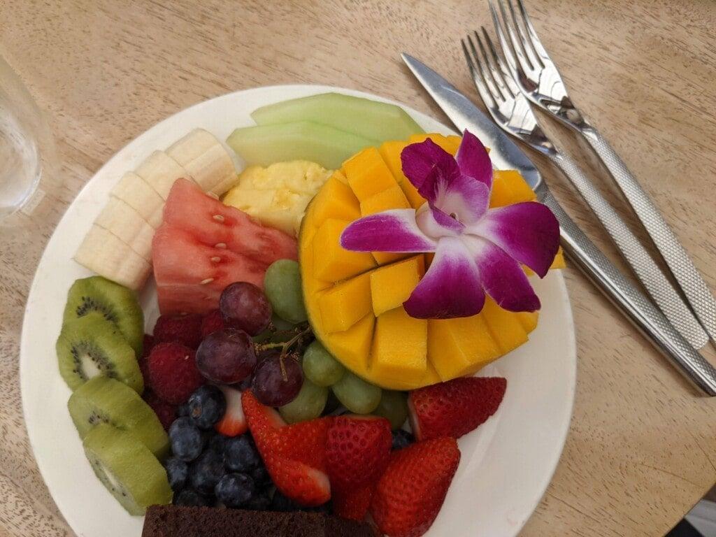 four seasons fresh fruit plate